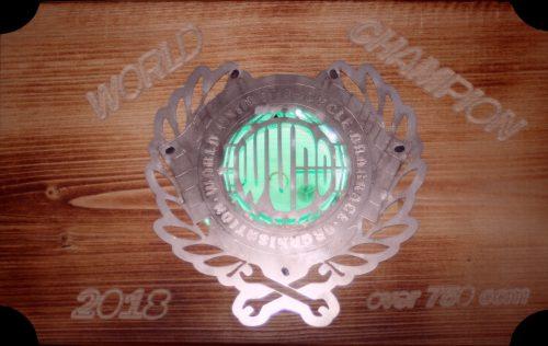 Pokal für den Fahrerweltmeister in der offenen Klasse 2018 im Unimotorcycle Drag Race